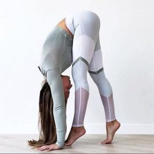 ALO YOGA Sheila Leggings Mesh grey mist xs